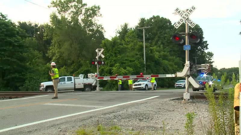 Driver injured in SUV-train crash wants to meet good samaritan