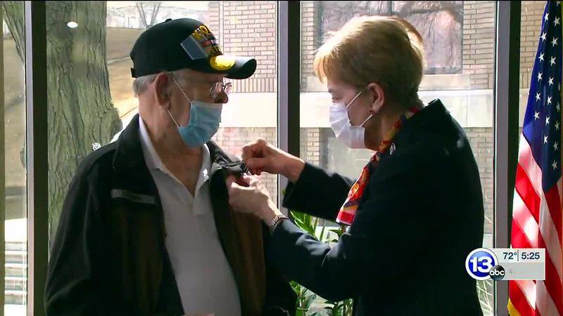 Toledo veteran receives Purple Heart