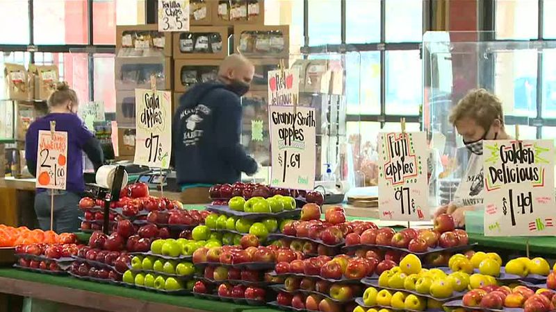 Monette's Market hosts grand reopening