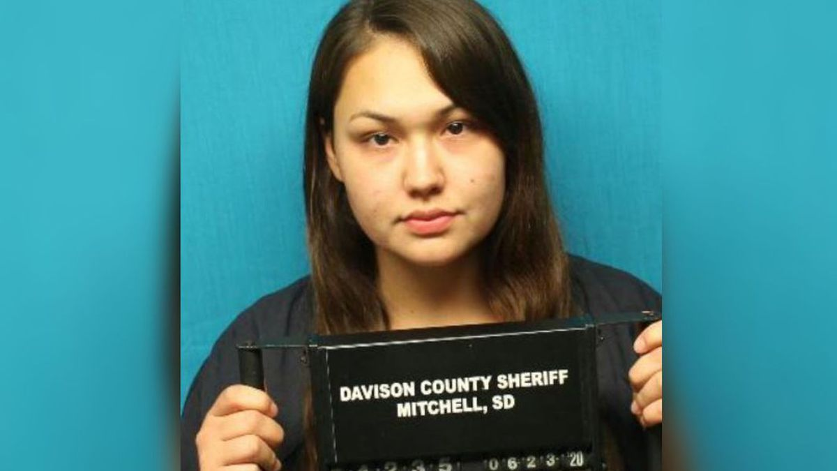 Julia Lee Carter is accused of kicking and stomping a 5-year-old boy to death.(Dakota News Now via Davison County Sheriff's Office)