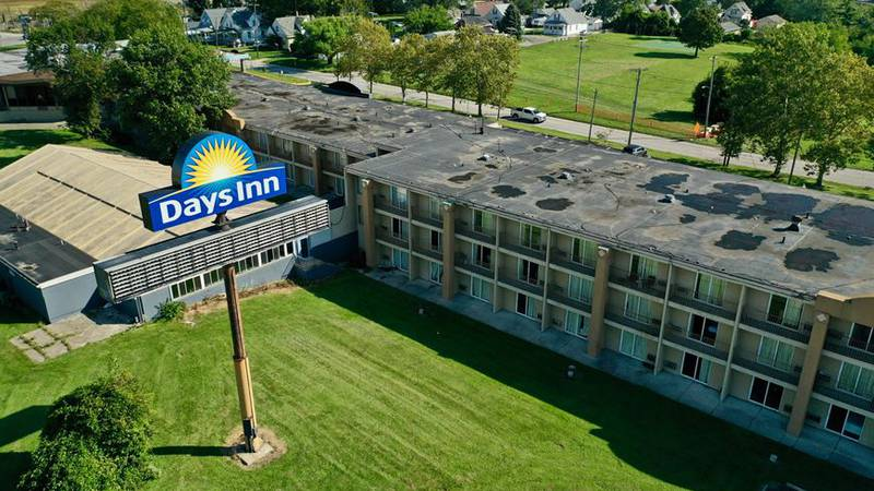 Housing tough to find as teams try to help Toledo Days Inn residents
