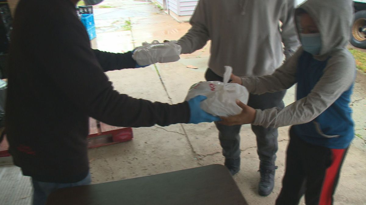 Homeless receive a hot meal for Thanksgiving