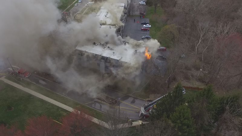 TFRD battles a fire at a Toledo apartment complex.