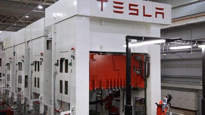 Tesla ranks last in annual quality survey. (Source: CNN)
