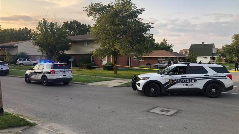 Toledo Police on scene of a shooting on Pontiac Street in Toledo