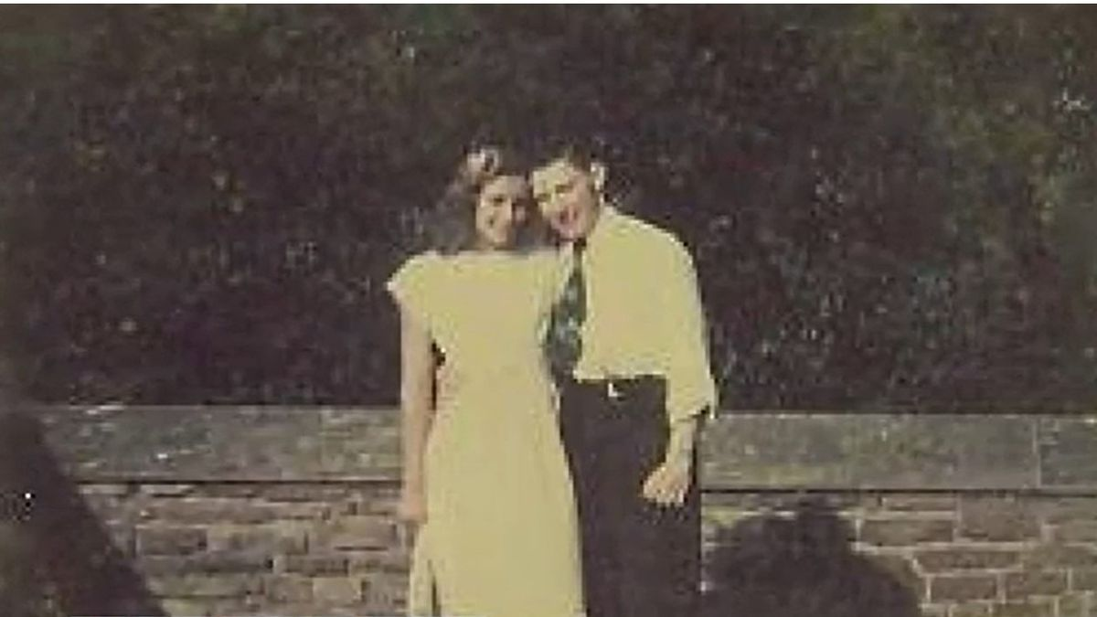 Couple dies day apart from COVID, a month short of their 72nd anniversary.
