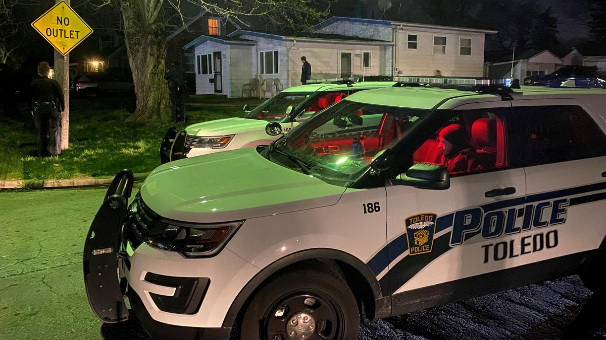 Toledo Police were called to a hostage situation in south Toledo early Wednesday morning, but...