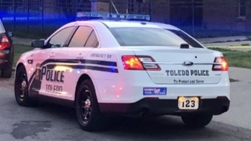 Toledo Police are investigating a shooting on the 800 block of Ontario.
