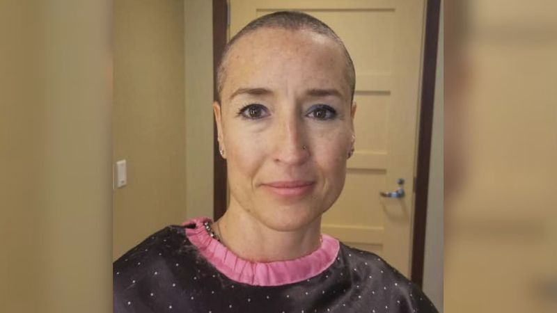 Jen chronicled her breast cancer journey on a Facebook page.
