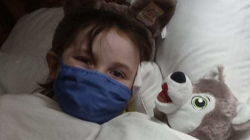 Family of young cancer patient loses its only car in an accident