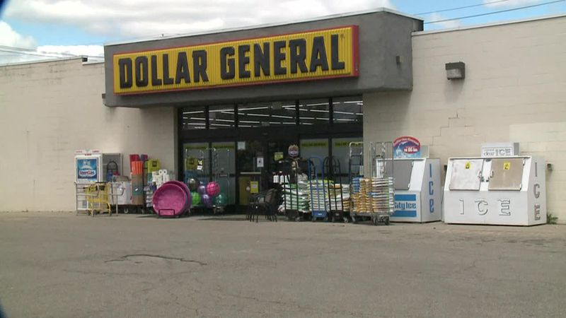 Police investigate break ins at Dollar General stores